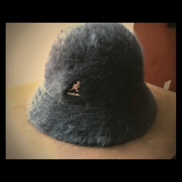 a3d54962d2806 Kangol Accessories - Black Kangol Furgora Hat - Large